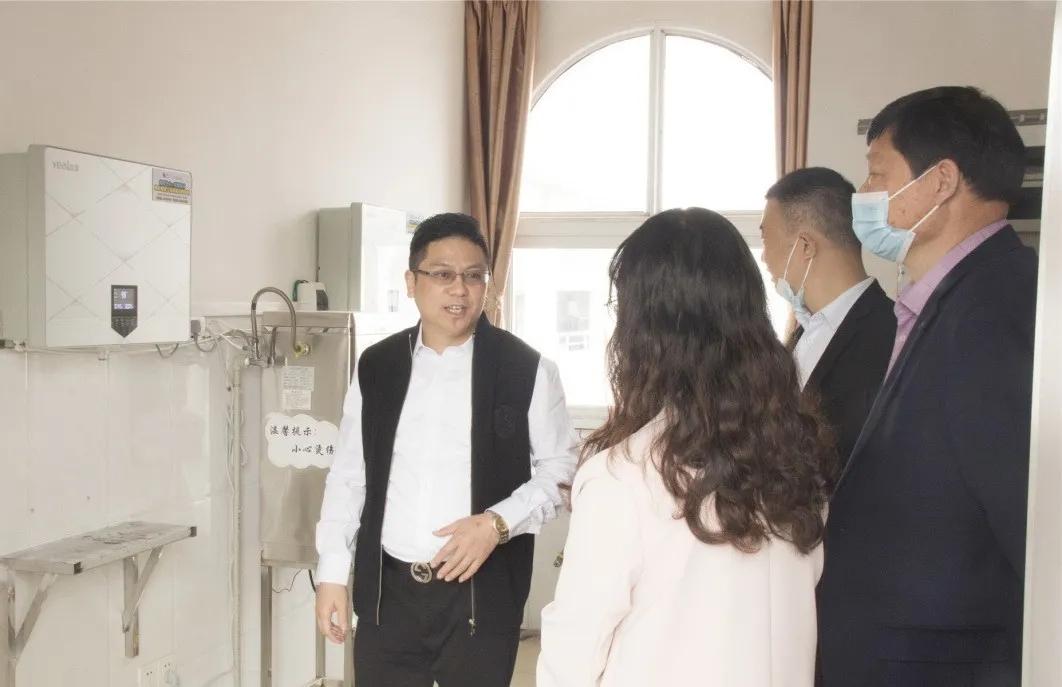 武汉溢爱向江夏区捐赠溢爱直饮机02.jpg