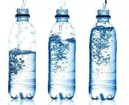 溢爱净水知识-专家矫正饮料摄入尺度,非饮水首选01.png